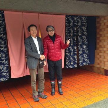 日本クアオルト研究機構の浦川医学博士と、飛騨小坂の炭酸泉を調査